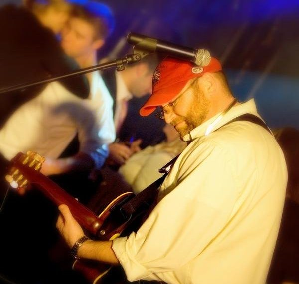 Ray Pasnen - Live music around the world.